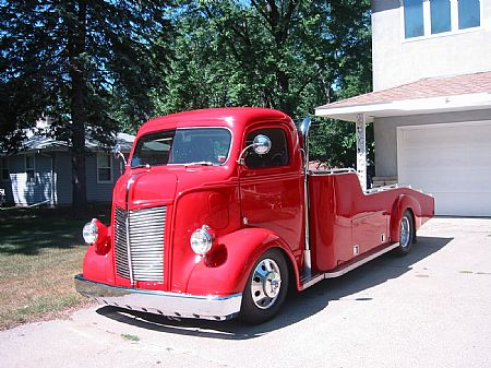 Our Hoodie Mark's 41 Ford Cab-Over