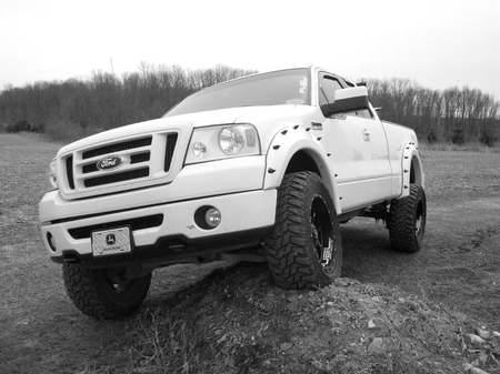Our Hoodie Casey Steele's 2007 Ford F150 4x4